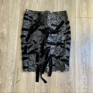 TOM FORD SZ 8 LEATHER/VELVET TIES W LACE SKIRT